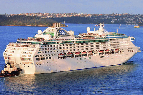 Pirate threat forces Princess Cruises ship to enforce night time blackout