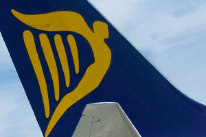 Ryanair demands 'no strike' rule for air traffic controllers