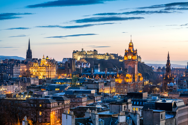 Edinburgh council agrees tax on tourists