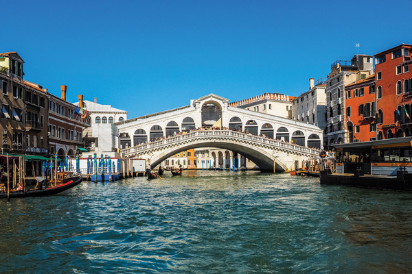 Islamic State supporters 'plot to blow up Venice's Rialto Bridge'