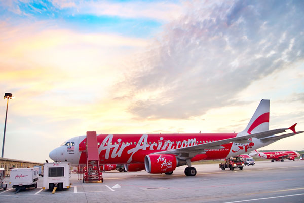 AirAsia flight 'panic' after loss of cabin pressure