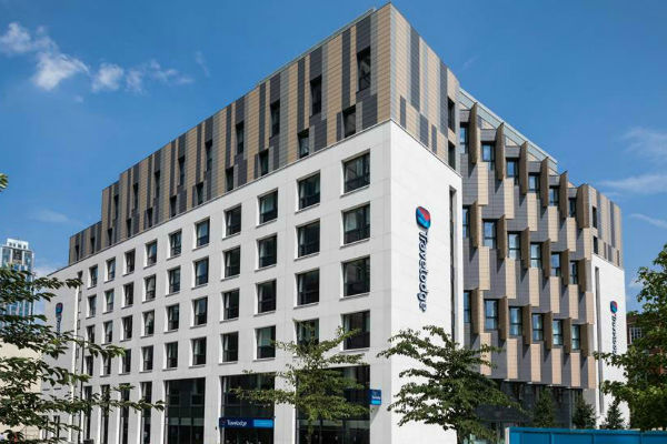 Travelodge signals caution despite rising demand