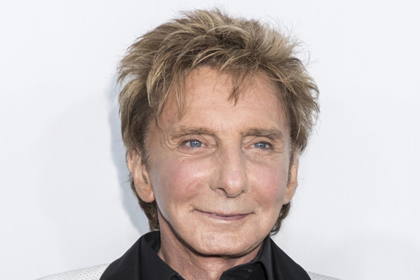 Shearings offers tours with Barry Manilow concert tickets