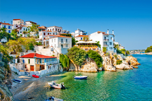 Record visitor numbers boost to Greek economy