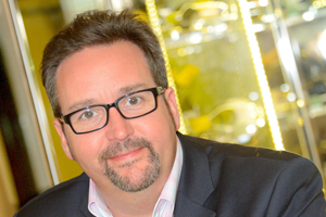 Gerard Tempest to leave Carnival UK