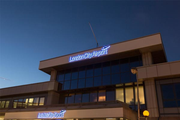 London City airport carriers threaten to pull out if fees rise