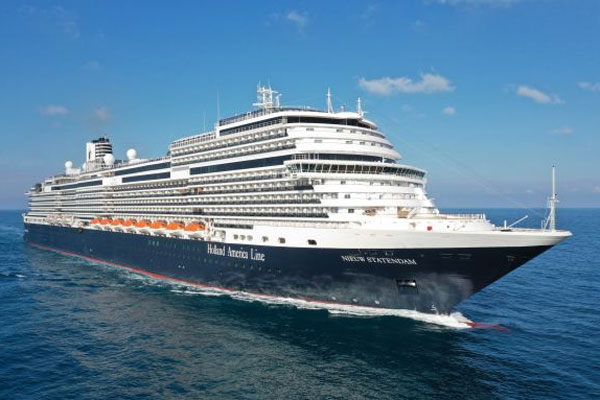 New Holland America Line ship suffers power 'blackout'