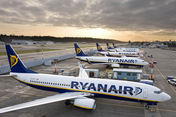 Ryanair slashes fares in eight-day promotion