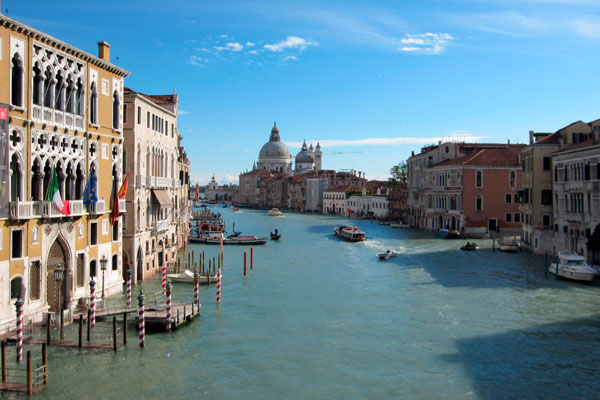 Venice to impose day-trip entry fee