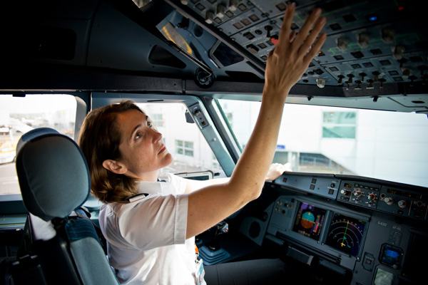 EasyJet doubles proportion of female pilots among new recruits