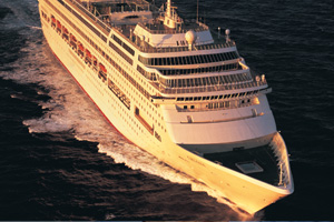 Gales force P&O Cruises to delay Oriana departure