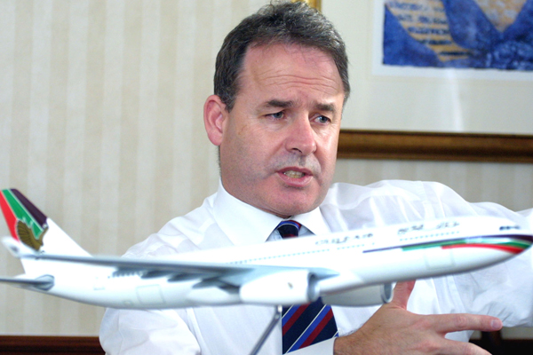Hogan steps up from day to day running of Etihad Airways