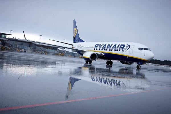 Ryanair halts talks with 'not long for this world' Norwegian