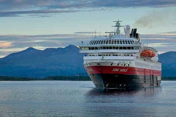 Hurtigruten ships will run on batteries, says boss