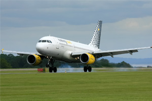 Spanish regulator approves IAG's Vueling offer