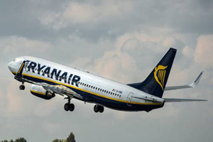 Ryanair tops 10m passengers in a month for the first time