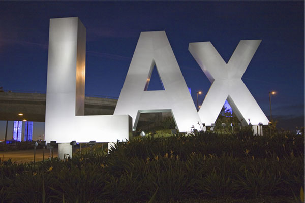 Loud noises prompt evacuation at Los Angeles airport