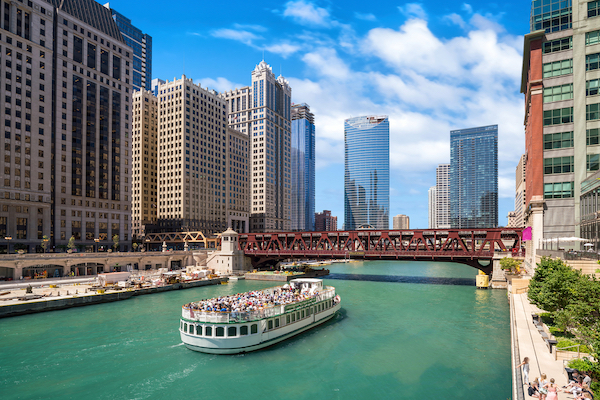 UK visitors help Chicago reach record 57.6m total
