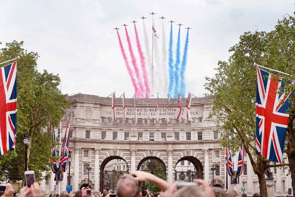 Twelve hotel groups interested in Admiralty Arch