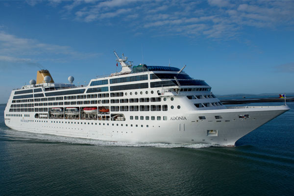 Carnival Corp announces tie-up with Airbnb