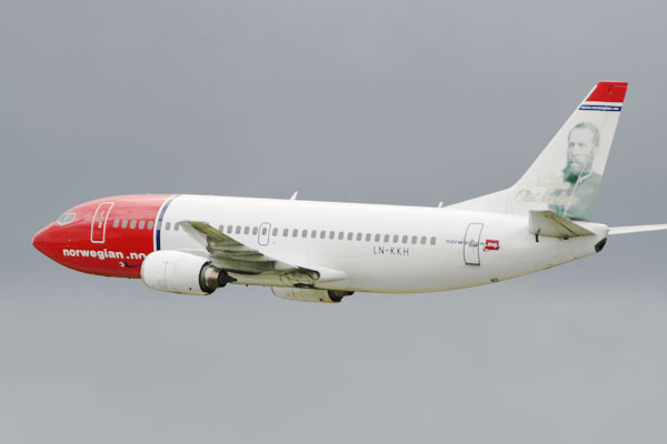 Transport minister backs Norwegian in low-fare transatlantic flight battle