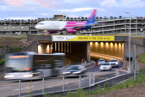 Week-long strike threatens Luton airport disruption