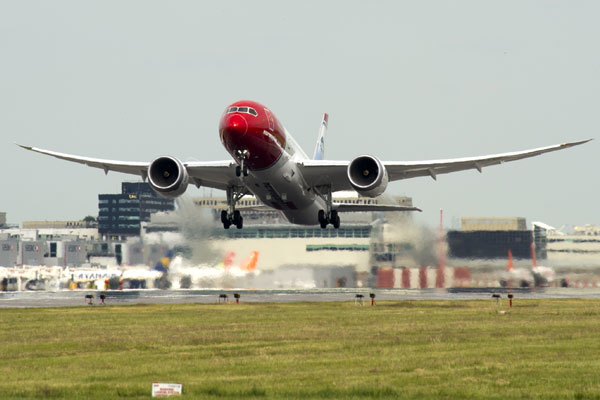 Norwegian hits turbulence as first quarter losses double