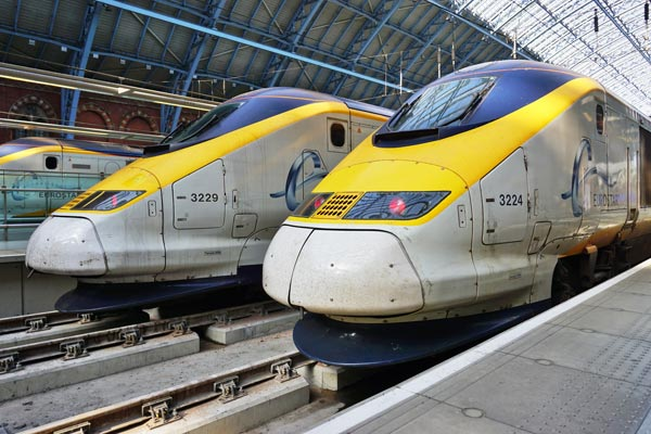 Eurostar fire leaves passengers standed overnight