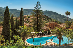 Belmond La Residencia launches creative writing retreat