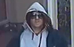 Tonbridge travel agent targeted by robber wearing red wig