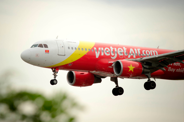 VietJet shares take off on stock market debut