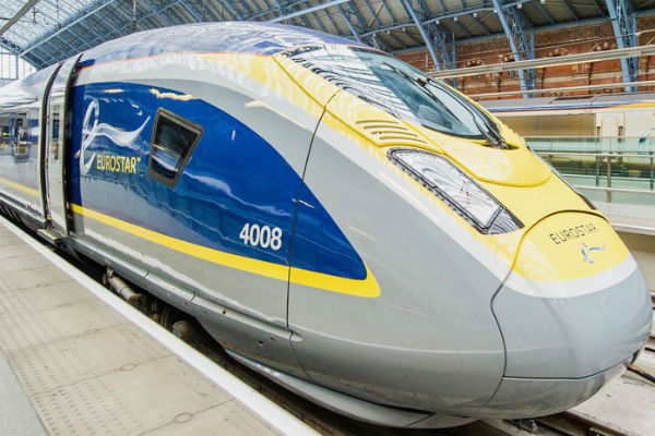 Eurostar warns passengers 'not to travel'