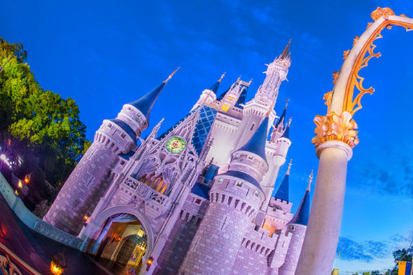 Disney sees quarterly dip in international theme parks income