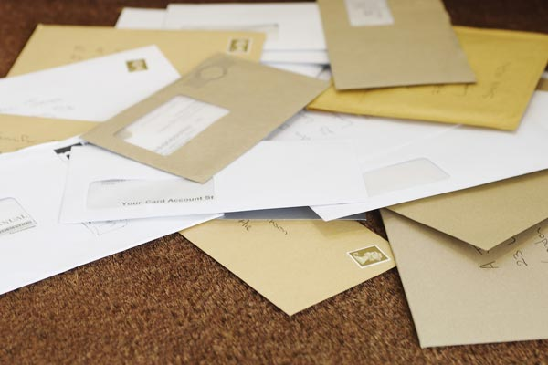 Direct-mail resurgence spurs 'doormat battle'