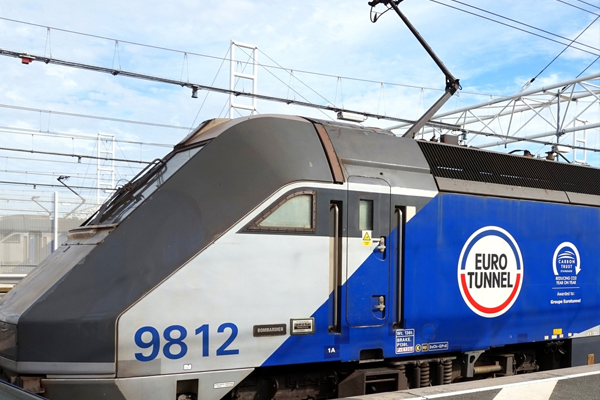Eurotunnel's Le Shuttle 'penalised' by late Easter