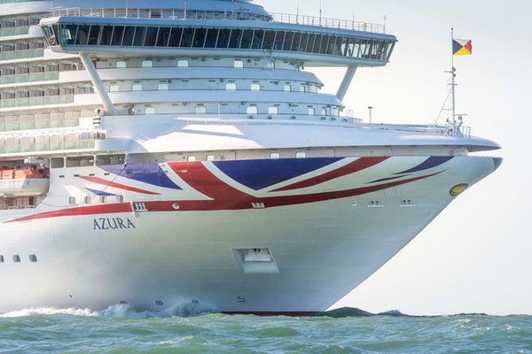 P&O Cruise bought by man for stranger 'within minutes of meeting her'