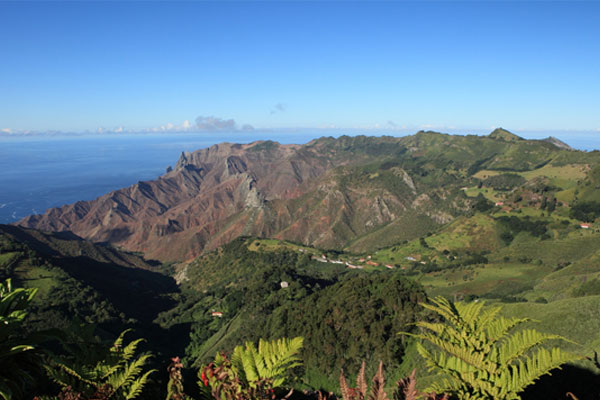 St Helena unusable £285m airport a 'staggering failure'