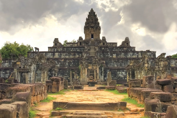 Cambodia: Exploring on a river cruise