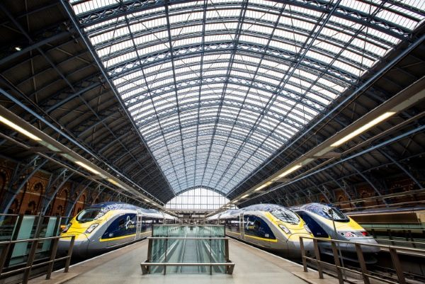 Paris attacks take toll on Eurostar profits