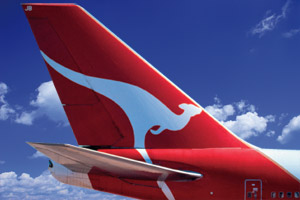 Qantas returns to profit