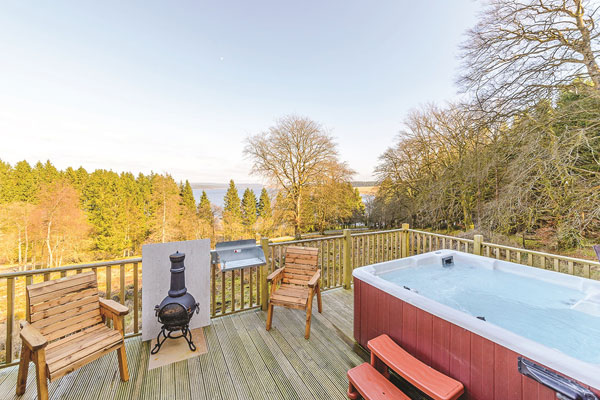 Family market driving extra demand for hot tub breaks, says Hoseasons