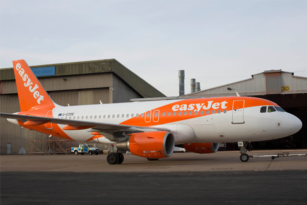EasyJet opens recruitment for 450 pilot positions