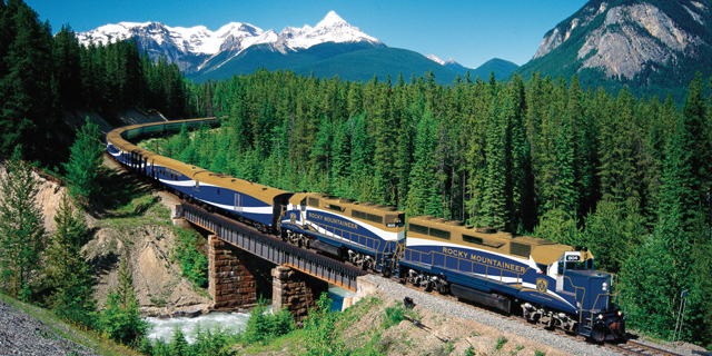 atas-rocky-mountaineer