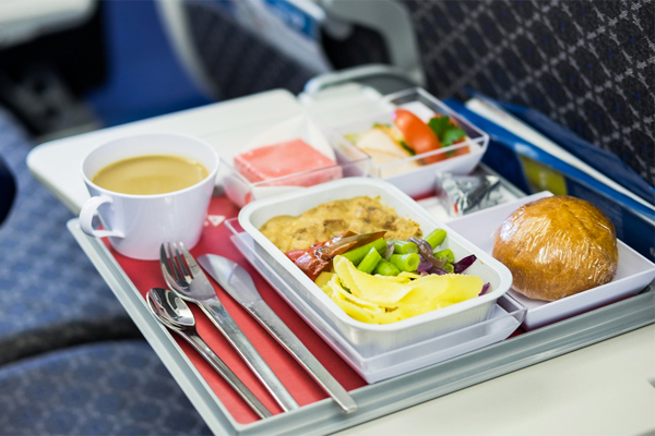 Gordon Ramsay takes swing at airline meals