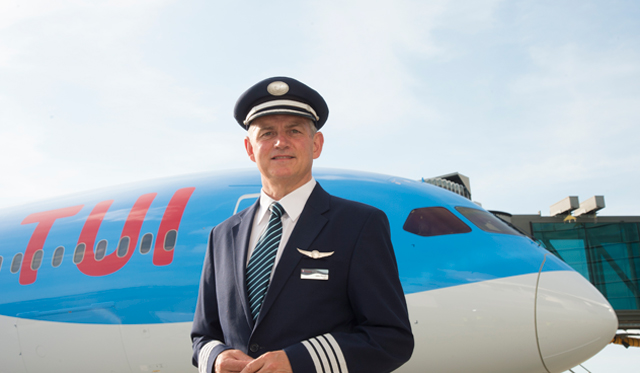 Tui Dreamliner Captain
