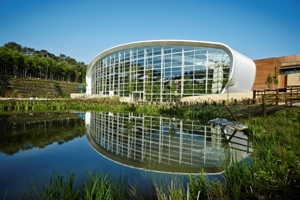 Fifth village contributes to improved Center Parcs trading