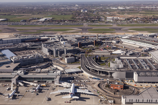 Transport secretary heeds airlines' warning over Heathrow expansion costs