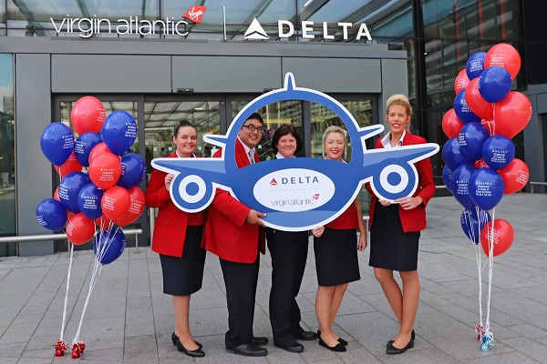 Delta celebrates 40th year of flying to the UK