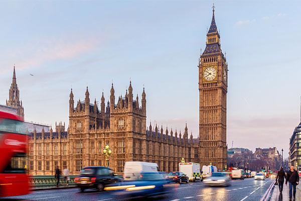 MPs call for financial support for tourism and hospitality