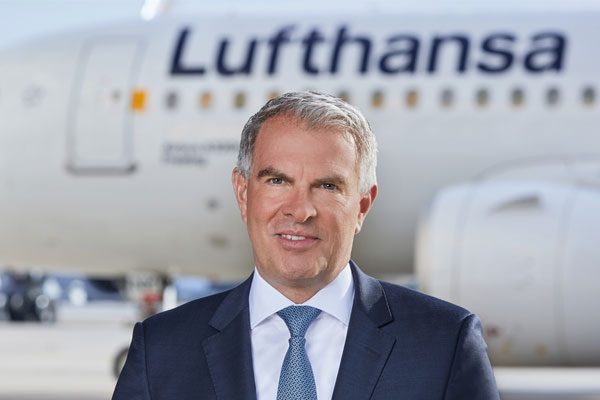 Lufthansa reports €6.7bn loss but forecasts summer return